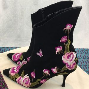 Beverly Feldman High Heel Floral Embroidered Boots